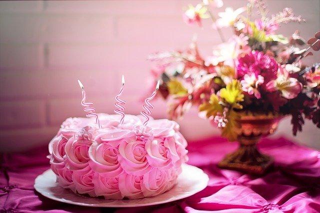 Arti Mimpi Membuat Kue Lezat Menurut Primbon punya makna tersendiri. Belajarlah mengartikan dari makna mimpi membuat kue sebagus mungkin.