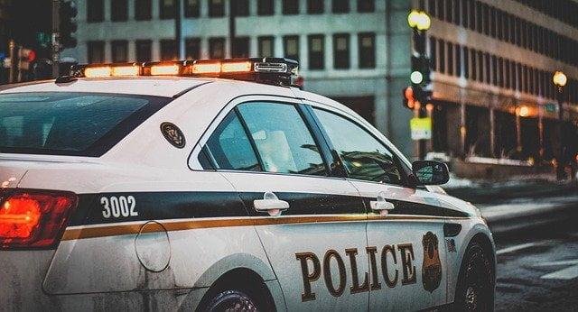 Makna Mimpi Dikejar Polisi yang Wajib Kamu Tahu!