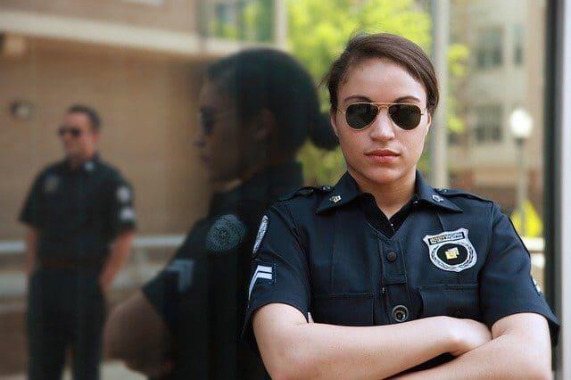 Arti Mimpi Menjadi Polisi Menurut Primbon Pertanda Apa?