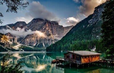 Arti Mimpi Melihat Danau Indah dan Bersih