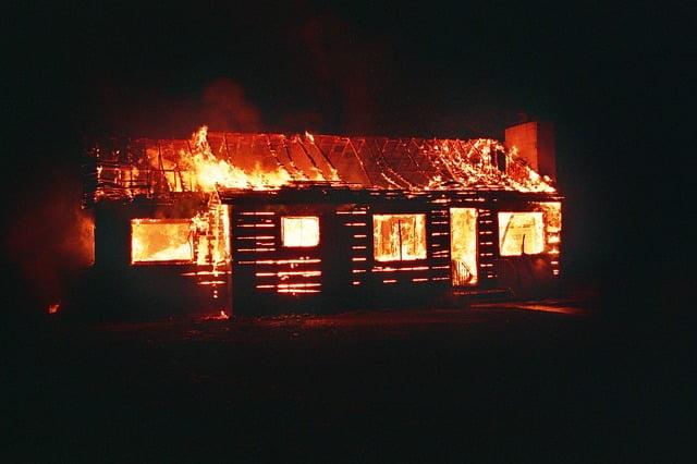 Arti Mimpi Melihat Rumah Kebakaran Menurut Primbon Jawa